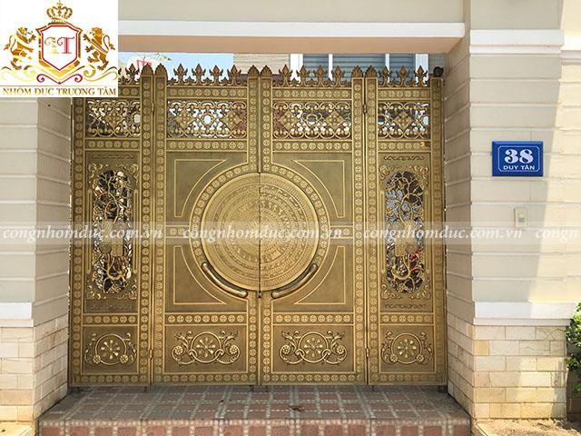 Hình ảnh cổng nhôm đúc do Công ty TNHH Nhôm đúc Trường Tâm thực hiện